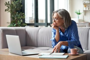you can choose to apply for Medicare online or in person